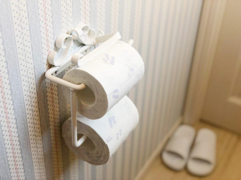 トイレの壁紙をリフォームするだけでこんなに素敵 気になる値段は 神戸 大阪の建築 リフォーム 設計 管理 ツムギ住研株式会社